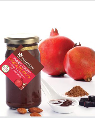 POMEGRANATE-CHOCOLATE-SAUCE