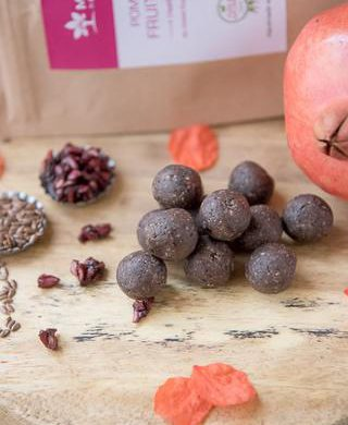 POMEGRANATE-FRUIT-SPHERES--HEALTHY-AND-SUGAR-FREE-SNACK